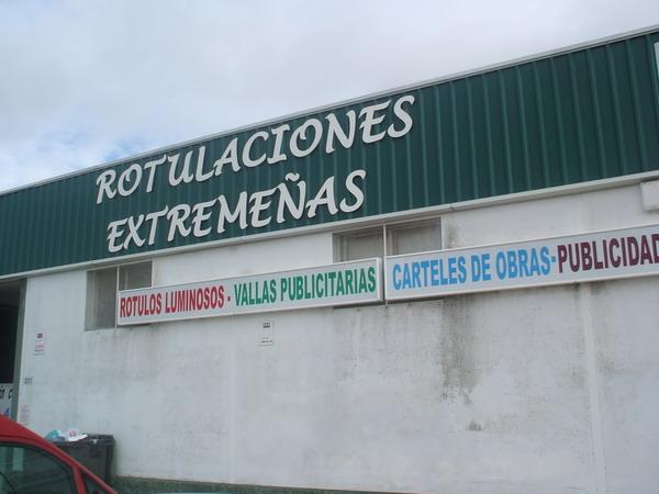 ROTULACIONES EXTREMEÑAS, S.L.L.