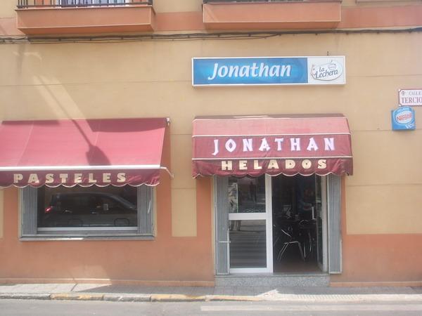 HELADERÍA CONFITERÍA JONATHAN